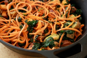 Winter Spiralized Carrot Salad